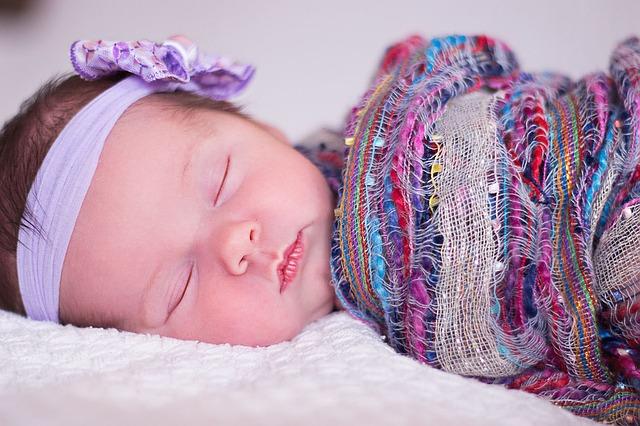 赤ちゃんの発熱の対処法!38度は病院に行くべき?入院してしまう場合は?