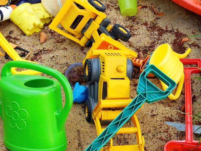 仕事をするなら、幼稚園と保育園どっちがいい?仕事が休みになった時などの違いは?