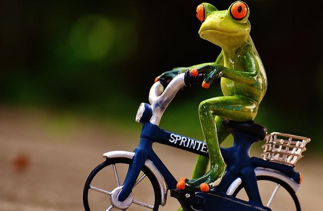 自転車で抱っこ紐を使ったらダメな理由とは?おんぶならOK?