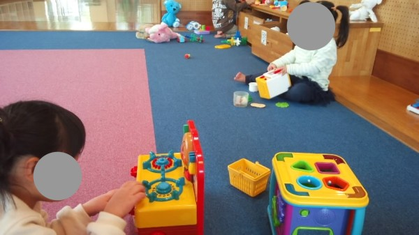 春日部の児童館エンゼルドームの乳幼児室