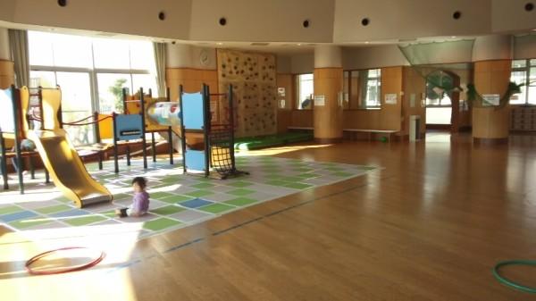 春日部の児童館エンゼルドームのプレイルーム