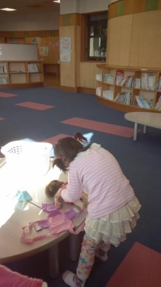 春日部の児童館エンゼルドームの図書室