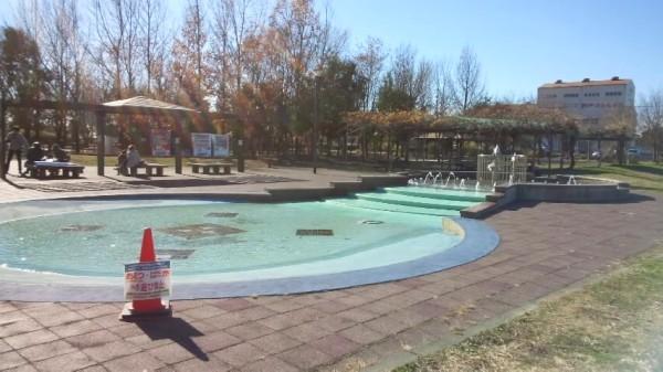 「アグリパークゆめすぎと」のじゃぶじゃぶ池