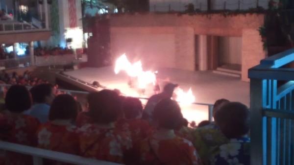 ハワイアンズのファイヤーダンスショー