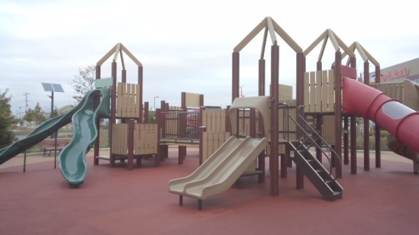アリオ鷲宮のキッズパークの遊具