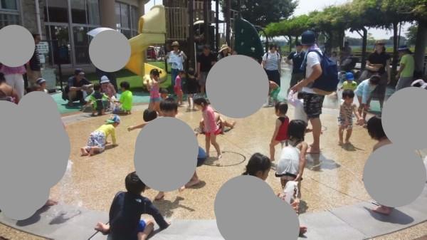 春日部の児童館エンゼルドームの噴水広場