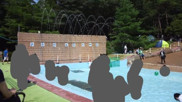 国営武蔵丘陵森林公園の水遊び場のお着換えスペース