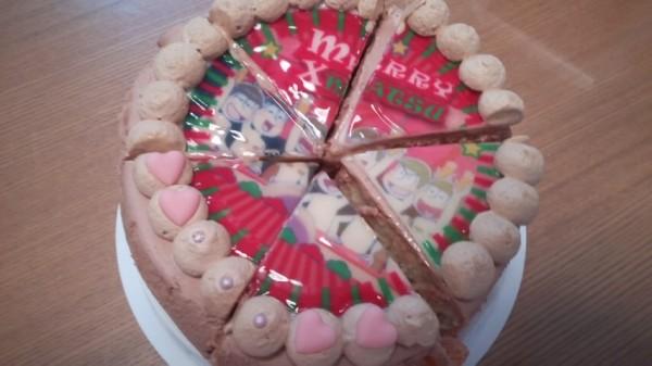 プリロールのおそ松さんのキャラクターケーキ