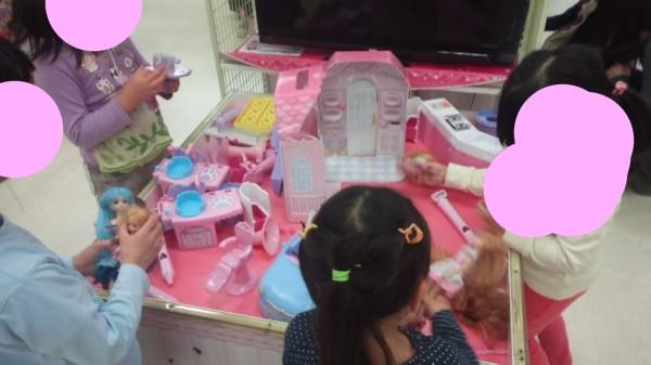 アリオ三階のおもちゃ売り場のおもちゃが遊べるコーナー